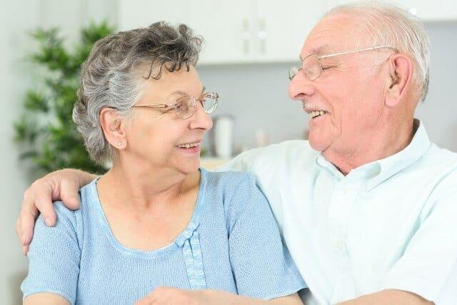 הסעת קשישים באמבולנס