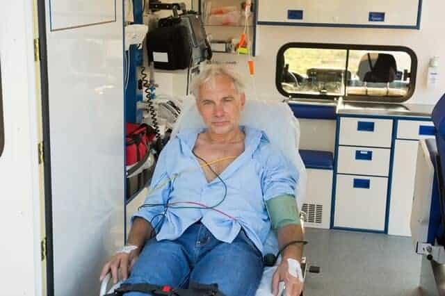 העברת חולים באמבולנס