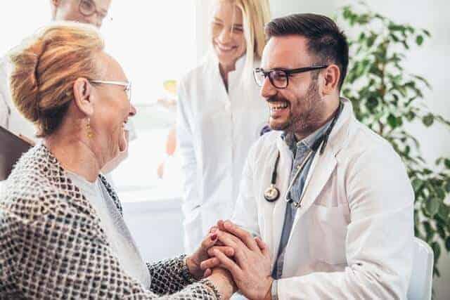 רופא עד הבית למבוגרים